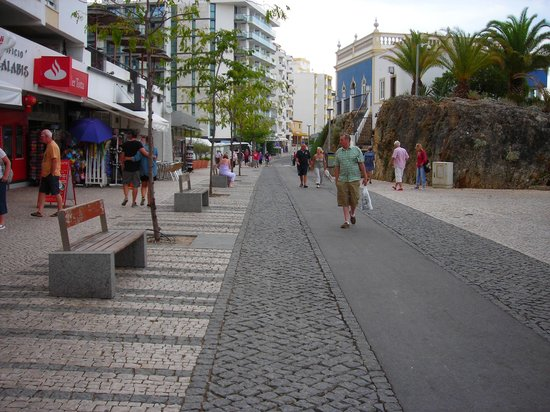 Smartline Amarilis: view along main street