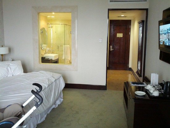 The Papandayan: Ambassador room