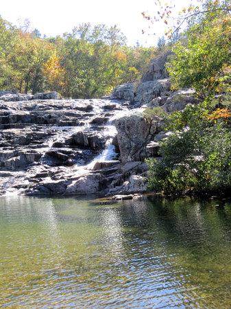 Rocky Falls Shut-in: The Falls