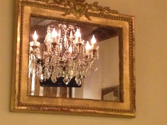 Hotel Caron de Beaumarchais: in our bedroom