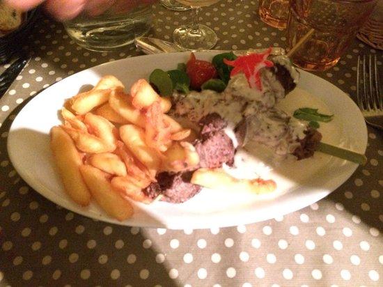 La Baraque a Boeuf: Brochettes de bœuf sauce roquefort