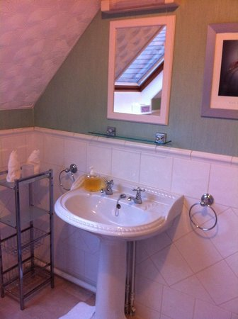 Forest Side Guesthouse: Bathroom
