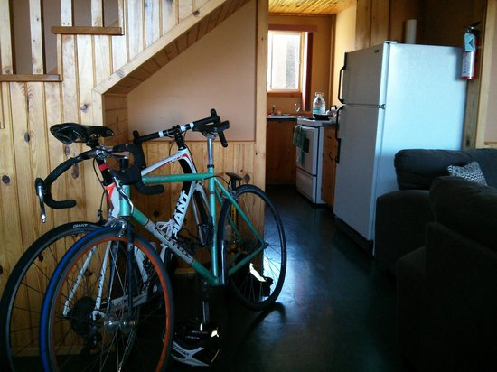Vista Ridge Cottages: space for bikes