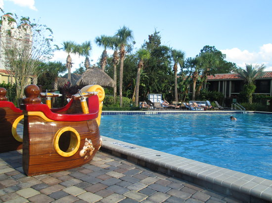 Doubletree by Hilton Orlando at SeaWorld: Family pool (jacuzzi is near this pool)