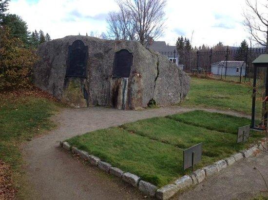 John Brown Farm State Historic Site : Graves at John Brown's farm