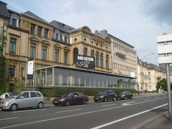 Novotel Luxembourg Centre : Seen in the middle of the old town
