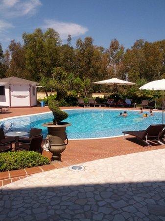 Hotel Arbatasar : piscina