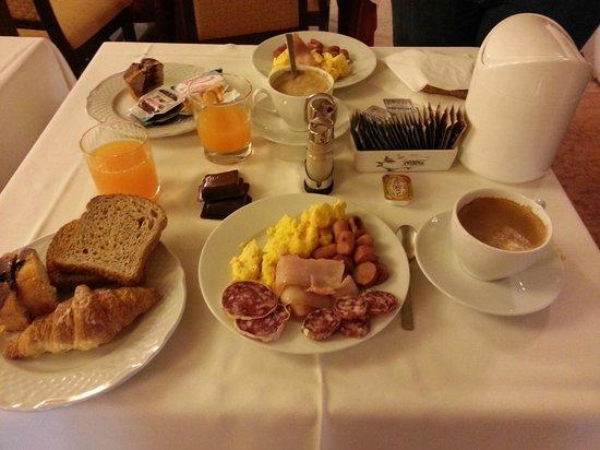 Aurelius : Breakfast