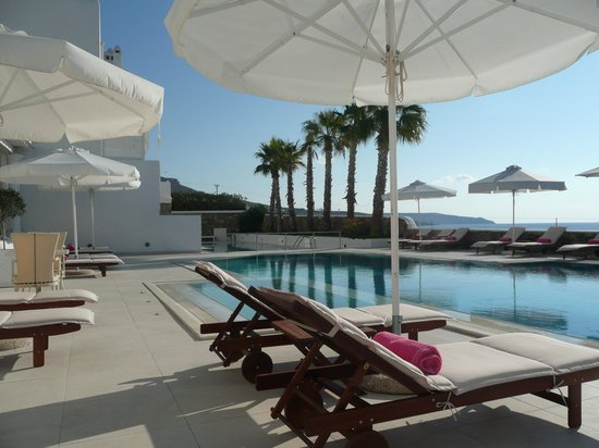 La Residence Mykonos Hotel Suites: By The Main Pool