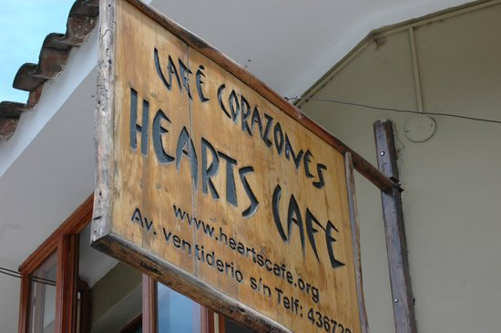 Hearts Cafe: Hearst Cafe-just off the square.