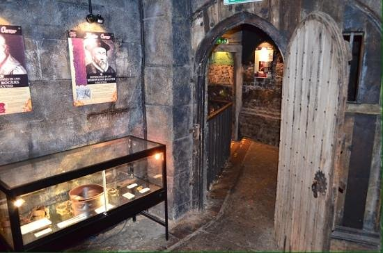 The clink prison rooms. - Picture of Clink Prison Museum, London ...