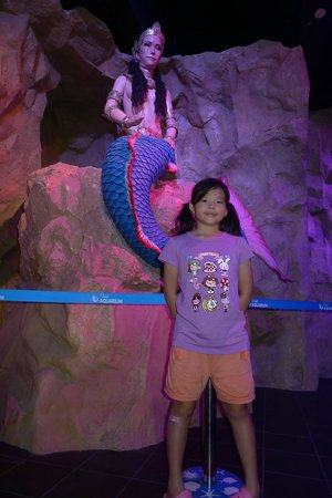 Phuket Aquarium : animated mermaid host inside the small theater