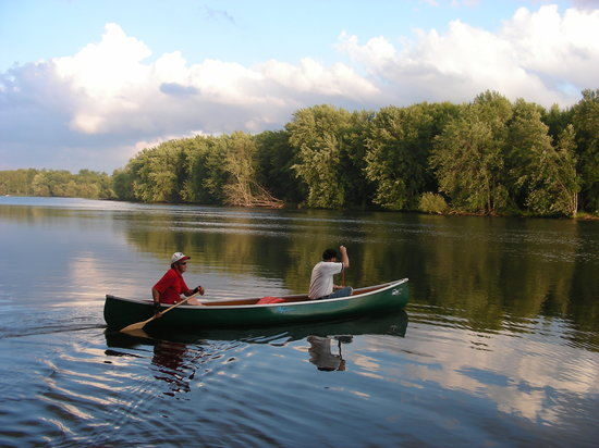 Golden Pathways Retreat and B & B: Near the Otonabee River where you can fish, canoe or boat
