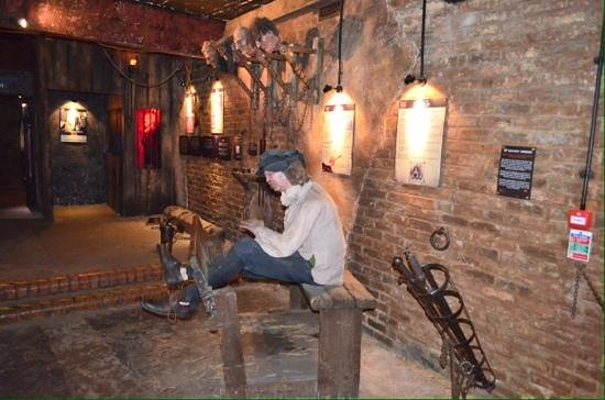 Room of torture at the Clink. - Picture of Clink Prison Museum ...