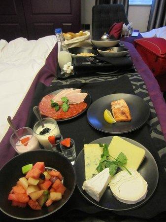 Hotel Indigo London Kensington: Desayuno en la cama
