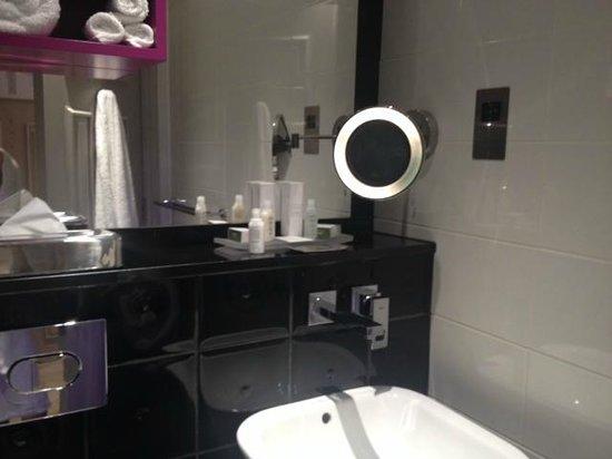 Hotel Indigo London Kensington: Cuarto de Baño