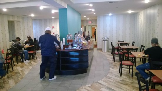 Best Western Plus Atlanta Airport-East: Breakfast room