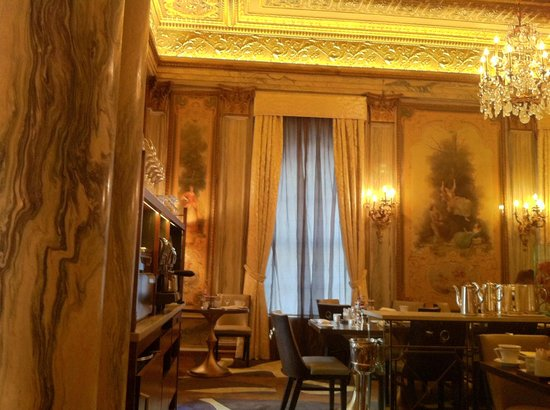 The Towers at Lotte New York Palace: The lavish Restaurant