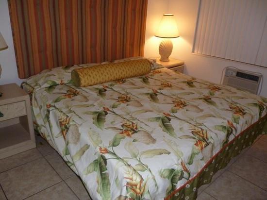 Summerland Suites: Schlafzimmer