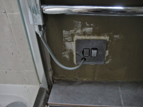 Holme Lea Manor: Electric socket nicely finished