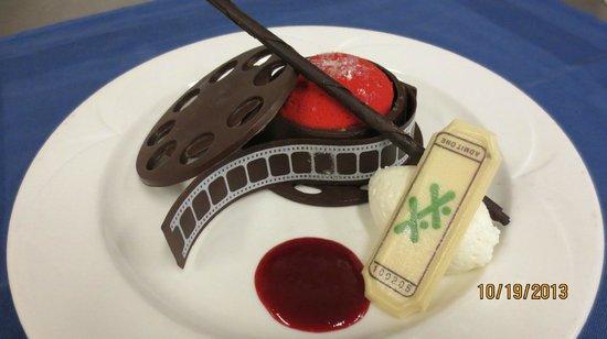 Delta Beausejour Hotel: Dessert at Banquet