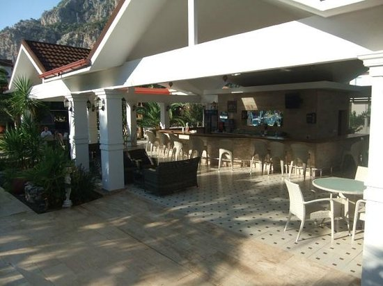 Hotel Keskin Dalyan: bar area