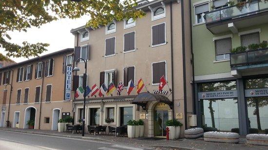 Hotel Europa: L'entrata dell'Hotel