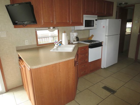 Monroe County/Toledo North KOA: Full kitchen with pots / pans / silverware