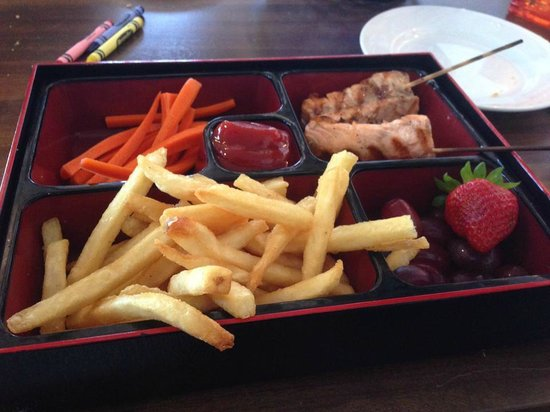 Bluewater Avalon Seafood Restaurant: Children's Dippers with Salmon