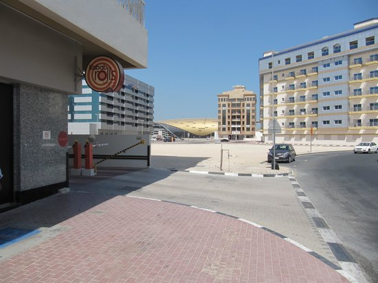 Al Khoory Hotel Apartments: Distance to Sharaf DG Train Station