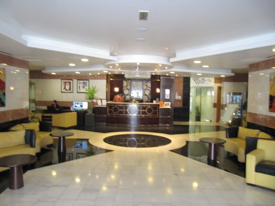 Al Khoory Hotel Apartments: Hotel Lobby