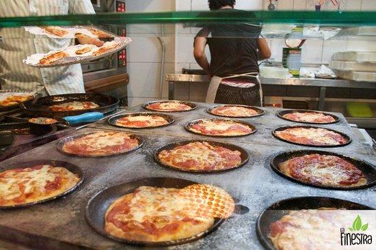 Photo of Italian Restaurant La Finestra at Calle Vivons 16, Valencia 46006, Spain