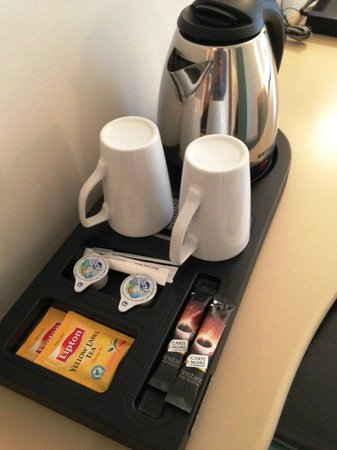 Hotel Corona Opera: ホテルはコーヒー・紅茶が用意されています