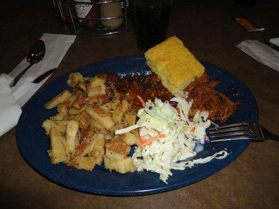 Bryce View Lodge: Ebenezer dinner show