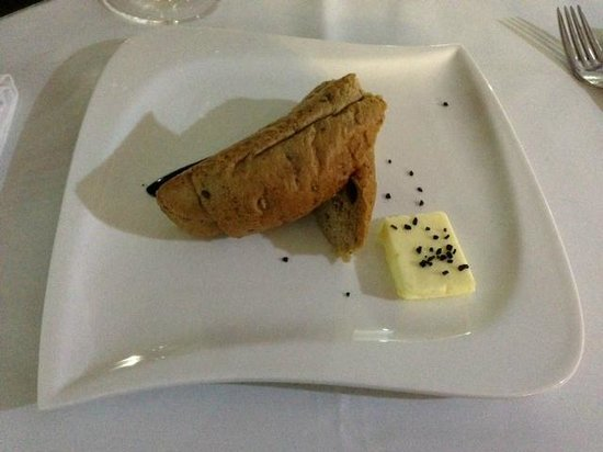 Hotel Altis: pate and baguette...