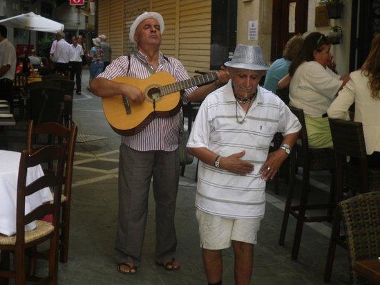 Meson Lo Gueno : Live-Musik an der Tapas-Bar