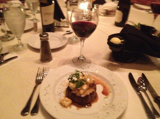 Nolan's Restaurant and Lounge: Filet