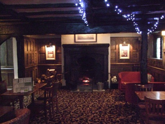 The Royal Hop Pole: one of the many lounges with open log fire