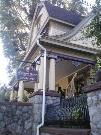 Manheim Manor Victorian Bed and Breakfast 사진