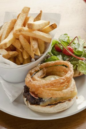 The Old Clubhouse : Burger & Chips