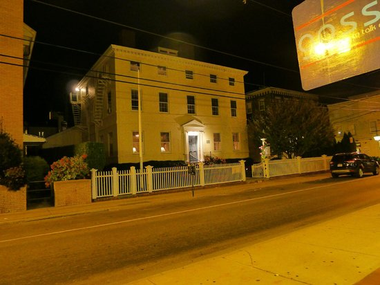 Francis Malbone House Inn: Exterior at night.