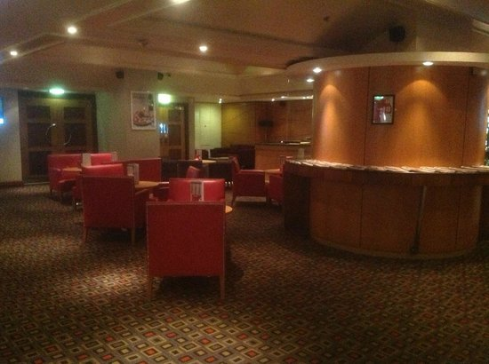 Holiday Inn: Lobby lounge - nice place to relax or even work