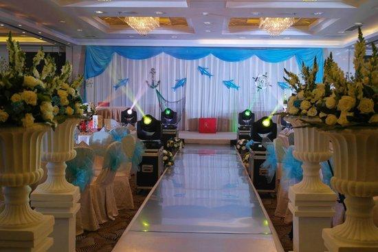 Traders Hotel, Beijing : Sala allestita per matrimonio all'interno dell'albergo