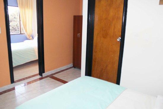 Casa Hotel Victoria Av 30: ESPACIO AMPLIO