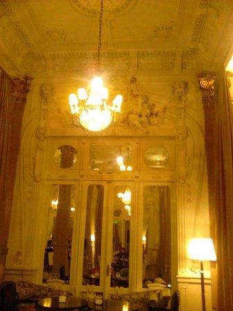 Savoy Hotel: detalles arquitectónicos de otra época