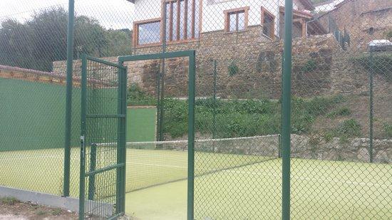 Apartamentos Alquitara: pista de padel