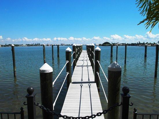 Pasa Tiempo Private Waterfront Resort: Boat Deck