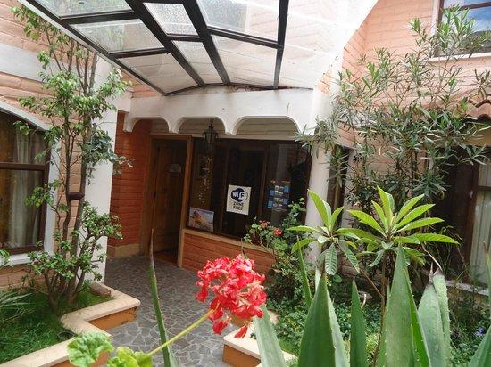 Hotel Tren Dorado: Jardines
