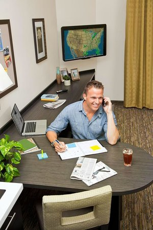 Candlewood Suites Plano-Frisco : Work Station