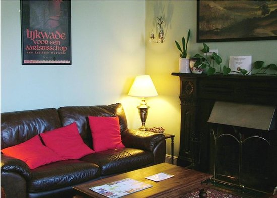 Cashel Town Bed and Breakfast: Lounge